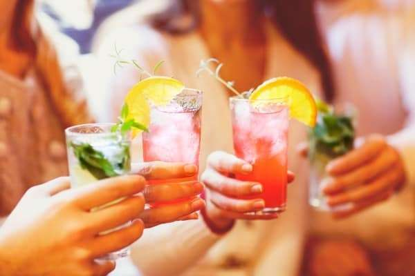 How To Ruin A Relationship In 8 Easy Steps - make decisions while drinking
